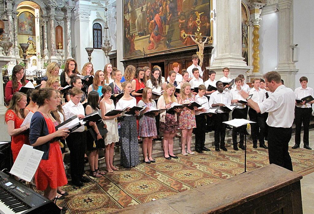 Koncert mladinskega zbora iz Anglije – Haileybury School Choir