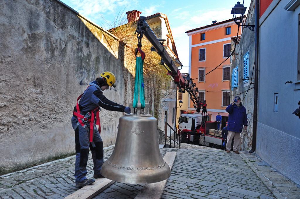 Prihod novih zvonov